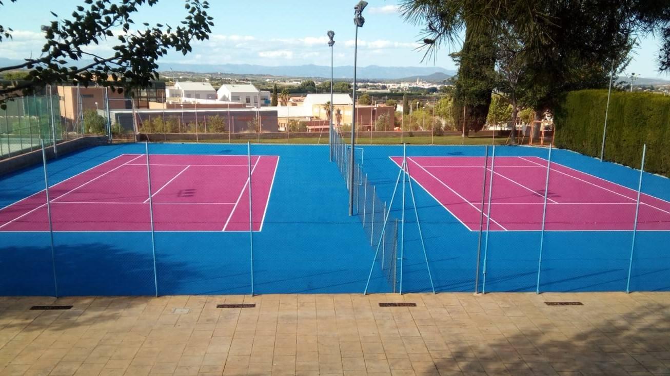 Tenisx2v2.jpg